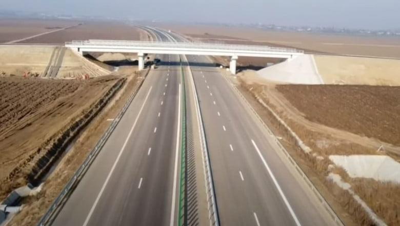 Primii kilometri de autostrada din Moldova, pe centura Bacăului. Foto: captură video AsCoRo