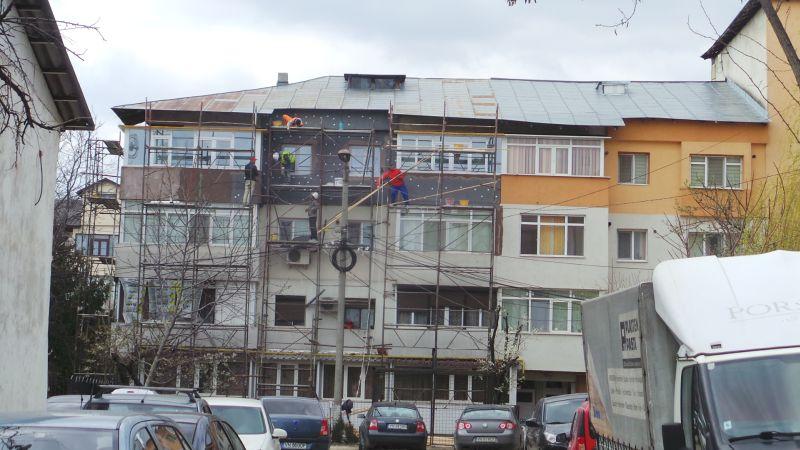 Bloc în reabilitare la Focșani