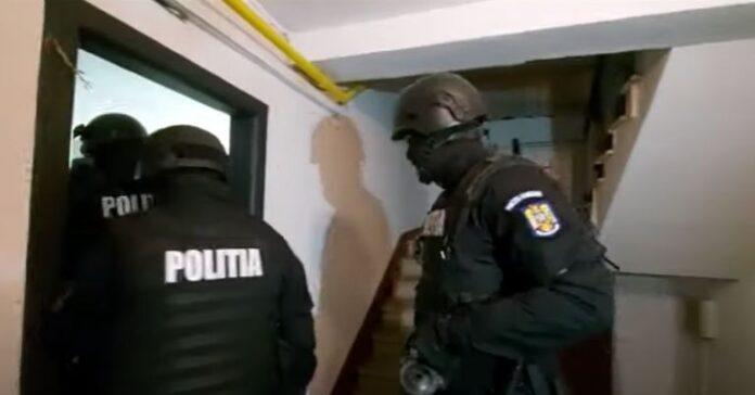 percheziții la 64 de domicilii în județele Mehedinți, Dolj și Caraș-Severin. Foto: Captură Video Poliția Română